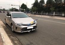 Bán Toyota Camry 2.0E sản xuất năm 2016, màu vàng
