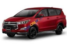 Cần bán xe Toyota Innova 2.0 Ventuner màu đỏ