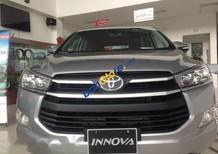 Bán xe Toyota Innova sản xuất năm 2017, màu bạc