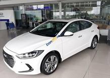 Cần bán Hyundai Elantra 2.0AT năm 2017, màu trắng, giá 739tr
