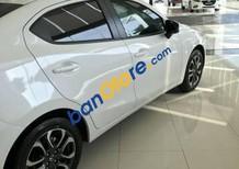 Cần bán xe Mazda 6 sản xuất 2017, màu trắng, giá tốt