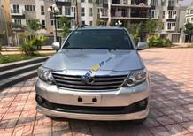 Chính chủ bán Toyota Fortuner 2.7V 4x4 AT đời 2014, màu bạc