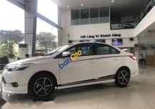 Cần bán xe Toyota Vios sản xuất 2017, màu trắng, giá tốt