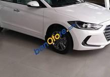 Bán Hyundai Elantra 1.6AT đời 2017, màu trắng, giá tốt