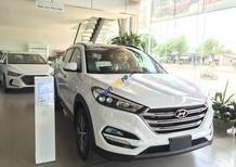 Bán Hyundai Tucson 2.0AT 2018 tiêu chuẩn, máy xăng, màu trắng, giá tốt từ 765tr, trả góp 85% xe, ĐT: 0941.46.22.77