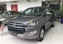 Bán ô tô Toyota Innova 2.0E sản xuất 2017, màu nâu
