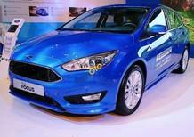 Cần bán xe Ford Focus đời 2017, màu xanh lam, giá tốt