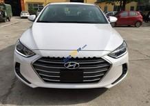 Bán ô tô Hyundai Elantra 2.0AT năm 2017, màu trắng, giá chỉ 669 triệu