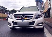 Cần bán gấp Mercedes đời 2013, màu trắng