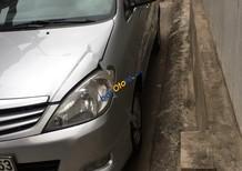 Xe Toyota Innova 2.0G đời 2010, màu bạc như mới