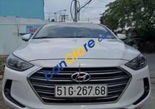 Bán lại xe Hyundai Elantra đời 2017, màu trắng