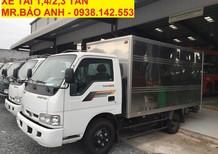 Xe tải thùng kín màu trắng KIA K165S, tải trọng 2 tấn 2, chạy vô thành phố