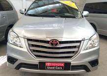 Cần bán gấp Toyota Innova 2.0E 2016, màu bạc