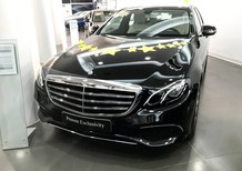 Cần bán xe Mercedes đời 2017, màu đen