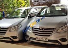 Cần bán Toyota Innova đời 2015, màu bạc, giá tốt