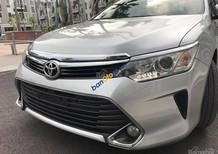 Toyota Camry 2.0E 2017, giảm giá lên đến 100 triệu, giá cả, phụ kiện, bảo hiểm, coupon du lịch