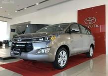 Toyota Long Biên bán xe Innova 2.0V 2018, giảm giá khủng, đủ màu giao ngay: 097.141.3456