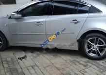 Cần bán Chevrolet Cruze sản xuất 2010, màu bạc, số tự động