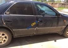 Cần bán lại xe Toyota Camry đời 2001, màu đen
