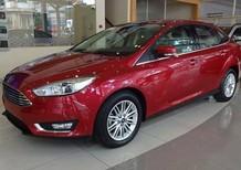 Bán xe Ford Focus 1.5 Ecoboost Titanium 2018, màu đỏ mận, mới 1005. L/h 090.778.2222