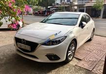 Cần bán gấp Mazda 3 đời 2017, màu trắng