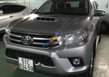 Bán Toyota Hilux đời 2016, màu bạc, nhập khẩu, số sàn, 578tr