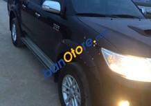 Cần bán Toyota Hilux 2015, màu đen như mới