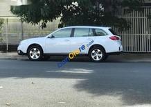 Cần bán gấp Subaru Outback đời 2010, màu trắng, 950tr