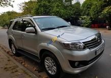 Bán Toyota Fortuner 2.7 (V) SX 2013- ĐK 2014, màu bạc, gia đình sử dụng kỹ zin 98%