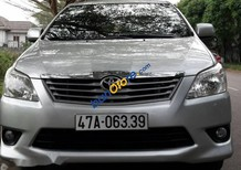 Bán Toyota Innova 2.0E đời 2013, màu bạc xe gia đình, 560 triệu