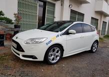 Cần bán xe Ford Focus S sản xuất 2014, màu trắng, giá 598tr