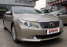 Bán gấp Toyota Camry 2.5Q 2012, màu vàng số tự động