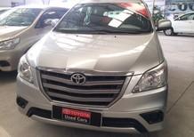 Cần bán Toyota Innova E 2014, màu bạc, giá tốt