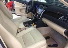 Bán xe Toyota Camry 2.0 E năm 2015, màu ghi vàng