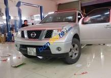 Cần bán lại xe Nissan Navara đời 2011, màu bạc