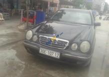 Cần bán lại xe Mercedes E240 đời 2000, màu đen, xe nhập, giá cạnh tranh
