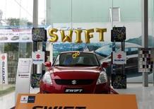 Bán gấp xe Suzuki Swift đỏ 2017, tặng ngay 110 triệu tiền mặt