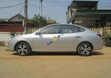 Cần bán Hyundai Elantra đời 2009, màu bạc còn mới