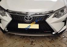 Cần bán xe Toyota Camry đời 2018, màu trắng