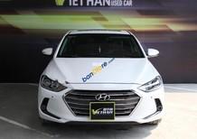 Bán xe Hyundai Elantra 2.0 AT đời 2016, màu trắng