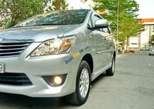 Bán xe Toyota Innova 2.0E 2013, màu bạc