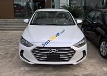 Bán gấp Hyundai Elantra 1.6AT tự động, xe gia đình 2018, màu trắng, giá 609 triệu, góp 85%xe. Xe ở Đắk Lắk - Đắk Nông