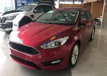Cần bán xe Ford Focus sản xuất 2018, màu đỏ