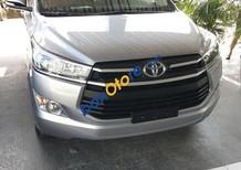 Toyota Long Biên ưu đãi giá tốt nhất Innova E đời 2018, màu bạc, giao ngay. LH 094 550 1838