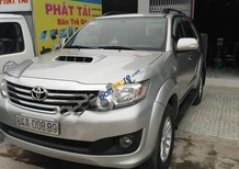 Cần bán Toyota Fortuner sản xuất 2013, màu bạc số sàn, 769 triệu