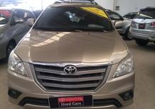 Bán xe Toyota Innova số sàn, màu nâu vàng 2015, giá còn thương lượng