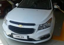 Cần bán xe Chevrolet Cruze LT đời 2018, màu trắng