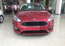 Ford Focus 2018 full option, vay 90%, mạnh mẽ, trẻ trung và cá tính