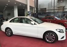 Bán Mercedes C200 2018 mới, màu trắng, giảm giá tới gần 100 triệu