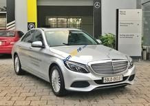 Bán xe Mercedes C250 2017 màu bạc, nội thất đen, chỉ với 500 triệu nhận xe với gói vay ưu đãi